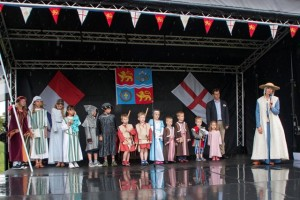 11 Costumes at Walkern Magna Carta Fair 28 06 2015 Peter Ravilious 02